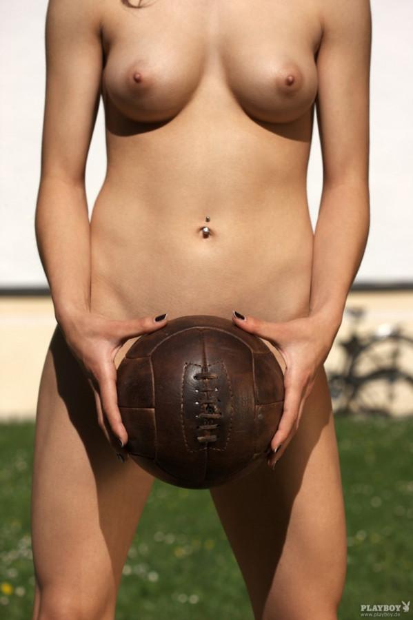 Pictures saphic erotica pixie laila