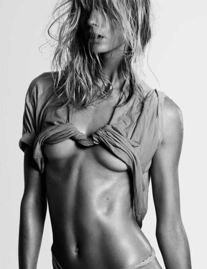 Julia-Stegner-by-Claudia-Knoepfel-Stefan-Indlekofer-for-25-Magazine-3-F_W-201305