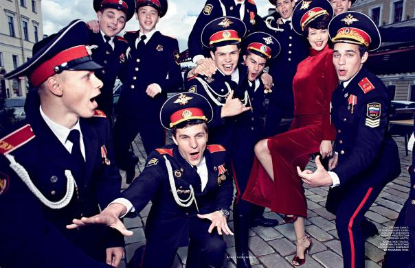 lindsey-wixson-by-alexi-lubomirski-for-vogue-russia-september-2014-4