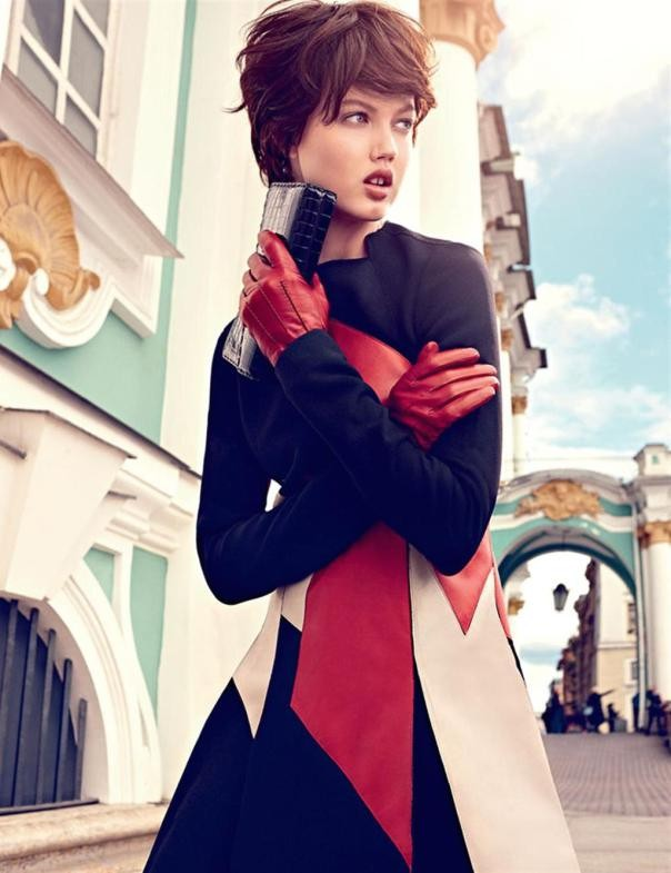 lindsey-wixson-by-alexi-lubomirski-for-vogue-russia-september-2014-9