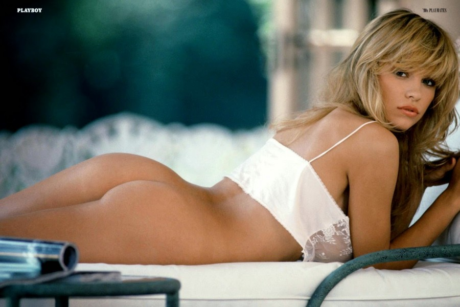 Pamela Anderson Playboy (3)