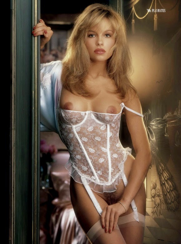 Pamela Anderson Playboy (7)