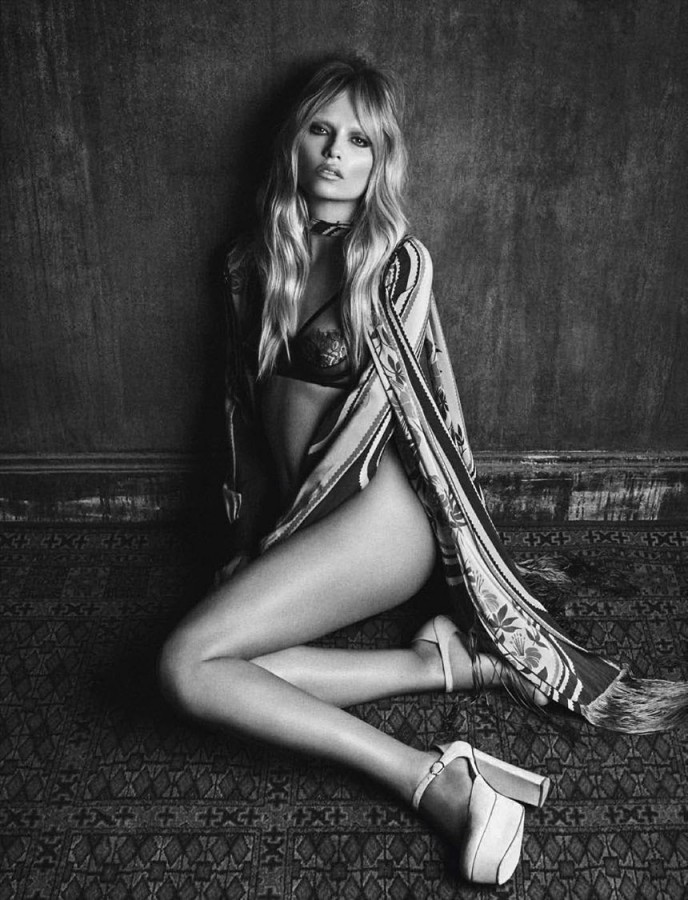 Treats-Magazine-Natasha-Poly-by-Luigi-Iango-for-Vogue-Germany-October-2014-3