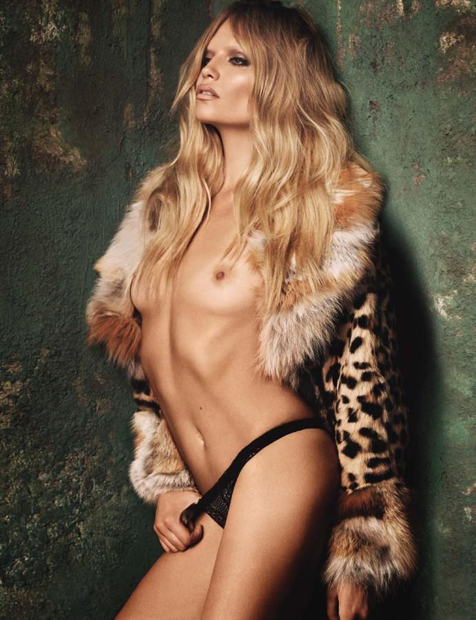Treats-Magazine-Natasha-Poly-by-Luigi-Iango-for-Vogue-Germany-October-2014-8