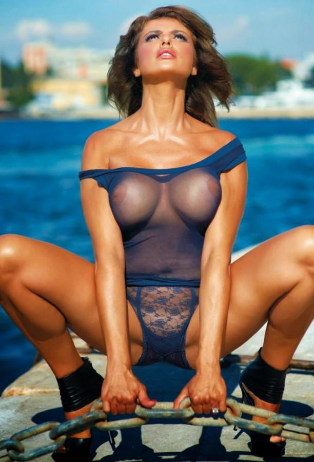 Gianna apostolski Playboy (2)