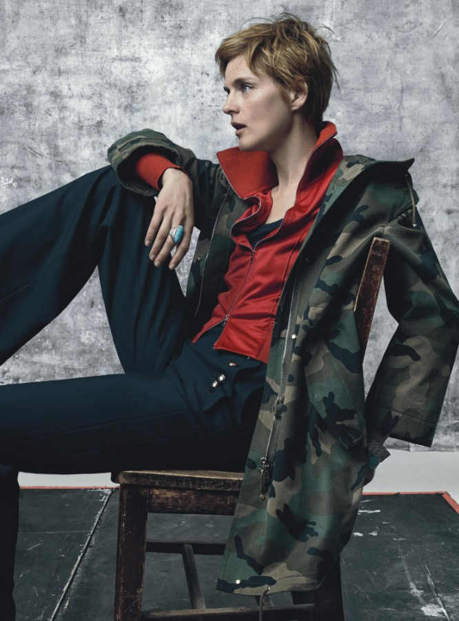 stella-tennant-by-craig-mcdean-for-vogue-uk-july-2015