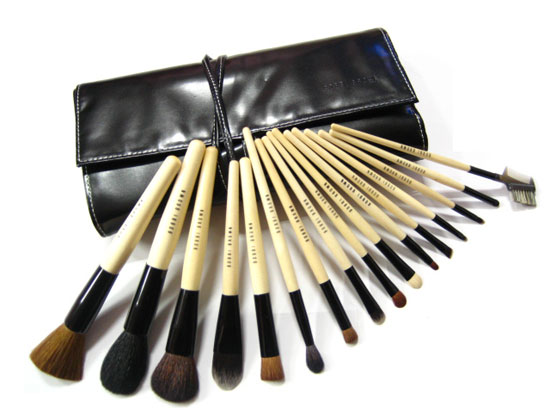 Bobbi Brown 19 brush set