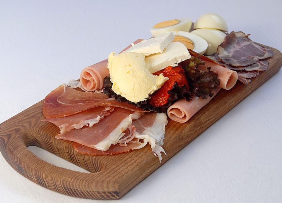 9-Srpski-doručak