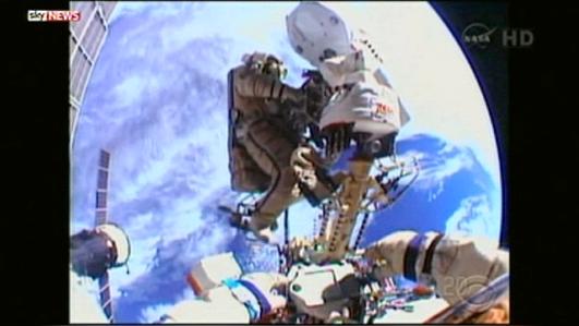 127333_1_spacewalk_big