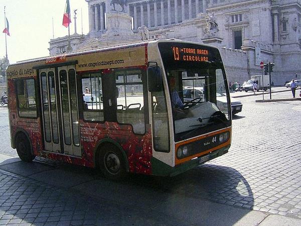 minibus-in-rome