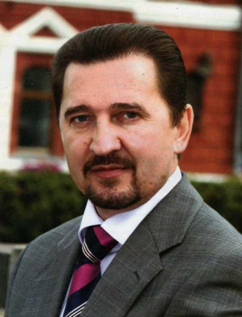 Валерий Синцов технически сыграет в пользу губернатора, выдвинувшись в кандидаты?