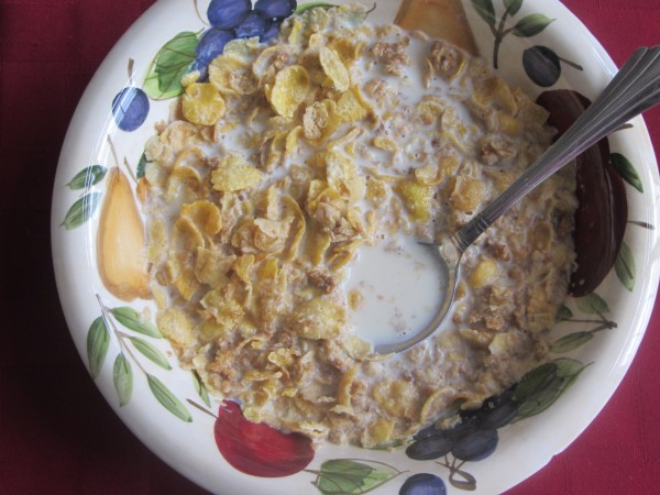 06062012 - Fav Breakfast - Honey Bunches of Oats with Milk