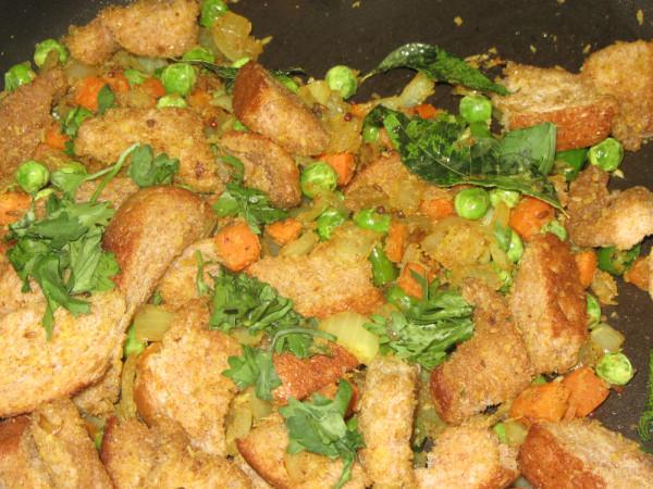 10212012 - Bread Upma - added veggies to the recipe and no potato