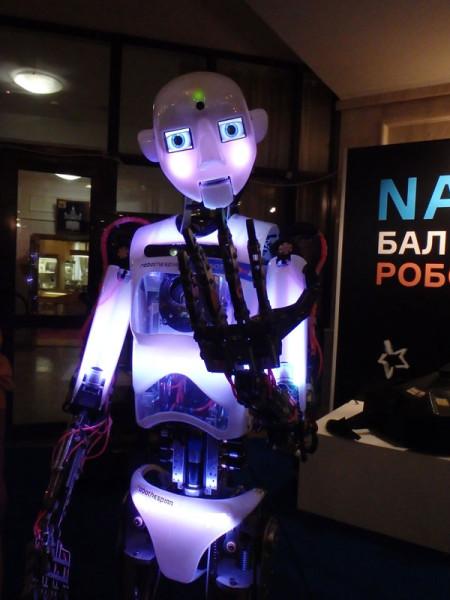 поющий-робот.jpg