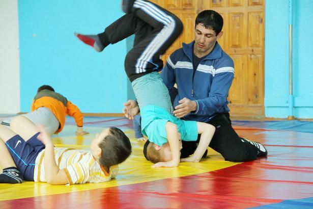 Золото и бронзу завоевали кузбасские классики на чемпионате сибири - гудо осдюсшор по спортивной борьбе