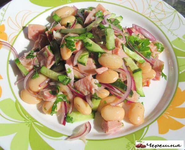 рецепты салатов с фотографиями из красной фасоли и копчёных окорочков