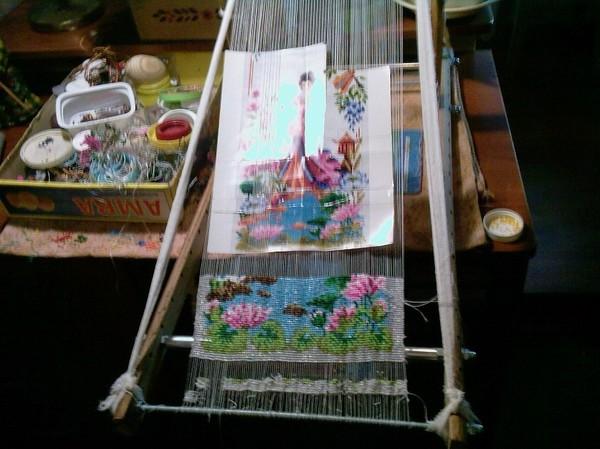 красивые кулоны из бисера. заснеженная рябина из бисера. цветы из бисера мк. кактусы из бисера мастер класс...