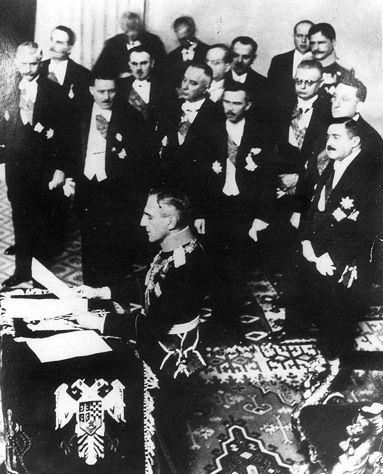 7bb16ff6dc92577576e1bd94e433793eBeograd - 1929. - Kralj Aleksandar proglašava novo ime kraljevine - Jugoslavija