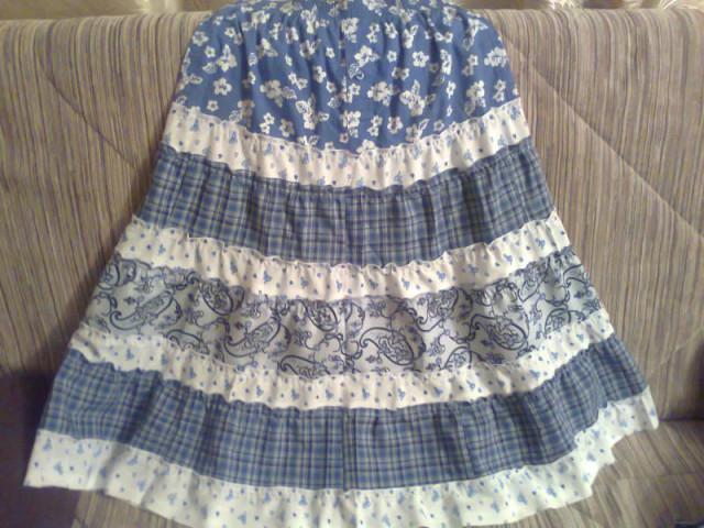 Бабушка юбку сшила