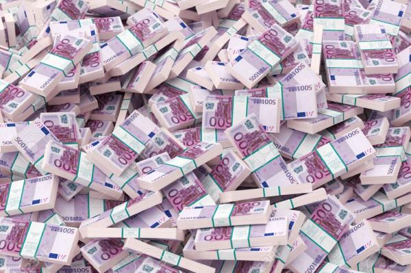евро в пачках
