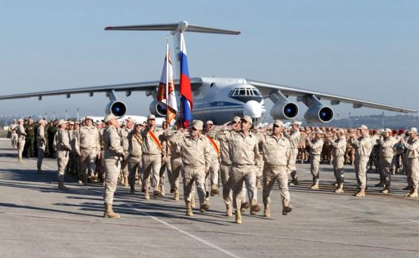 Путин в Сирии принимает  парад 2