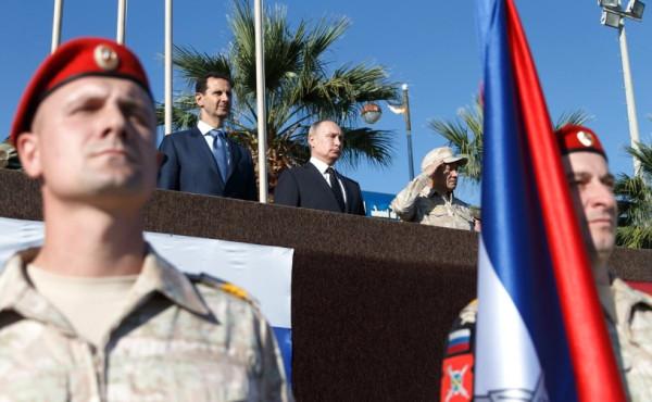 Путин в Сирии принимает  парад
