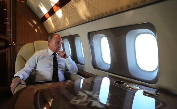 Путин летит в Сирию