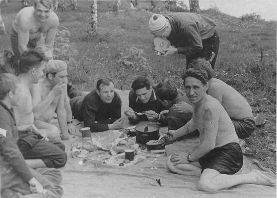 Космонавты на пикнике 3