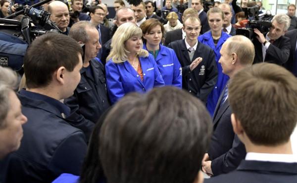 Путин на заводе в Уфе 2