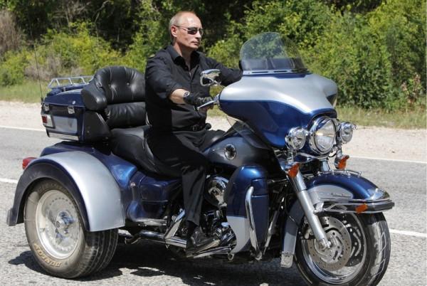 Путин на байке