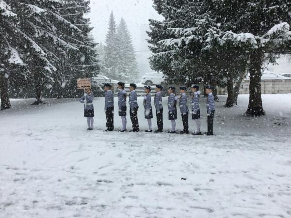 Дети в снегу 2