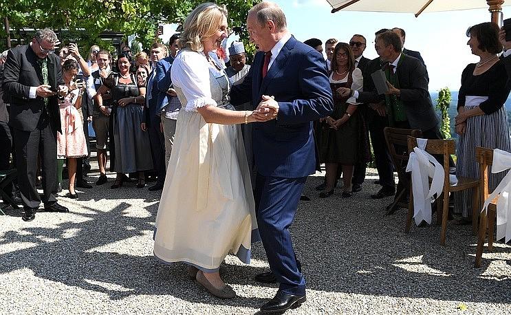 Президент на свадьбе