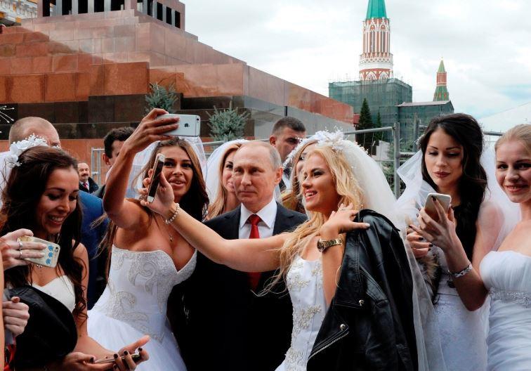 Путин и экскортницы