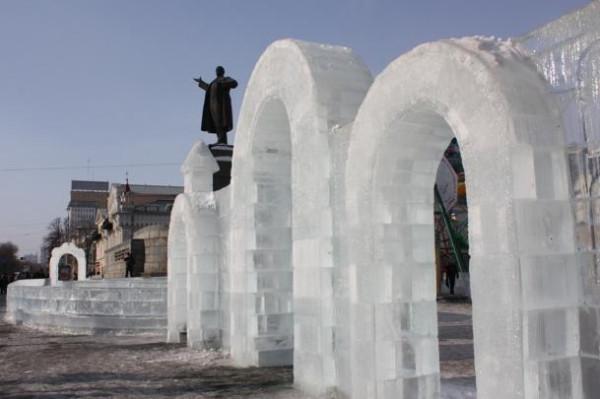 Лед и Ленин