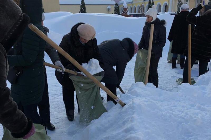 Саратов снег учителя