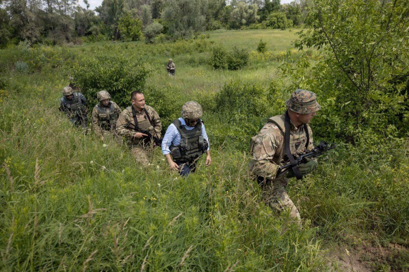 Зеленский на Донбассе 2