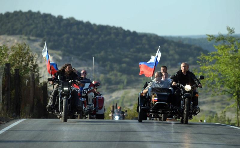 Путин на мото