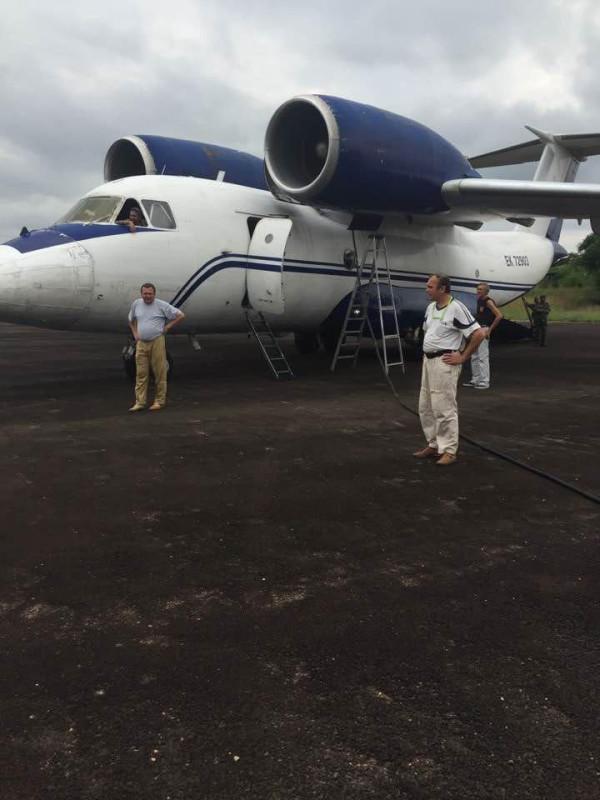 Конго самолет