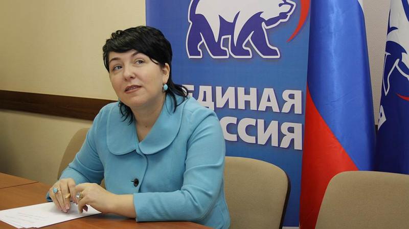 Депутатка Гусева