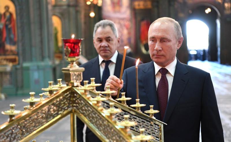 Путин в храме 5
