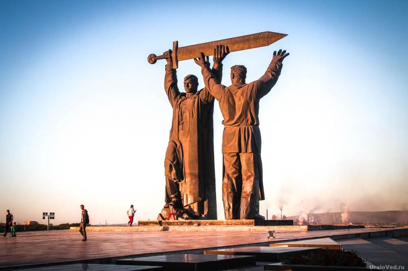 памятник тыл фронту