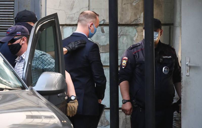 Сафронов доставлен в суд