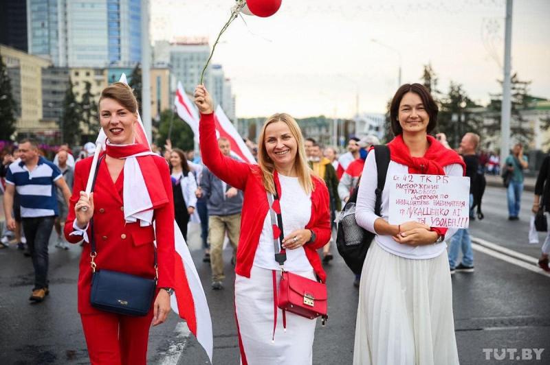 Минск протест девушки