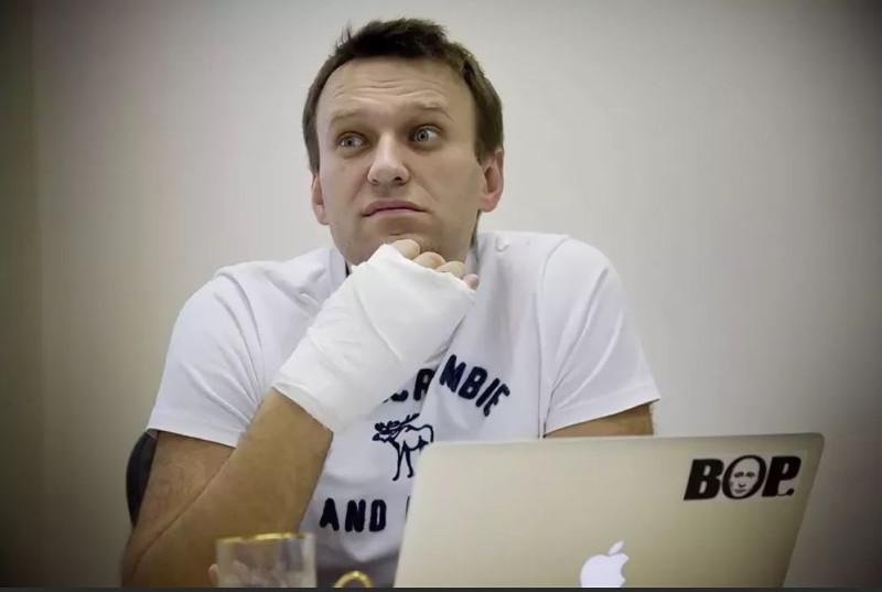 Навальный  перед судом
