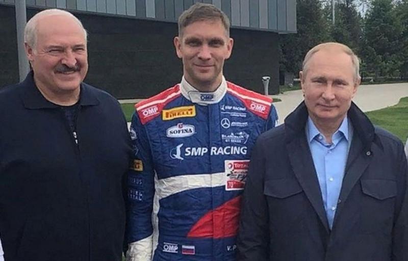 Петров-сын с президентами...