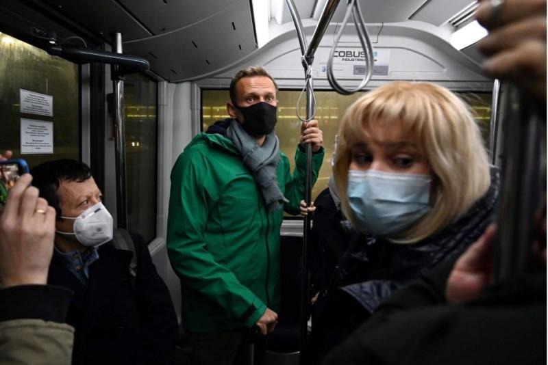 Навальный в автобусе