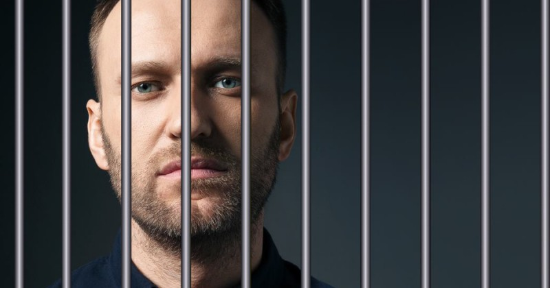 Навальный за решеткой