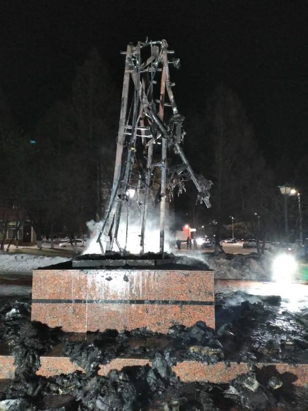 заинск памятник сгорел