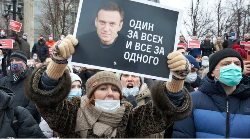 Навальный один за всех
