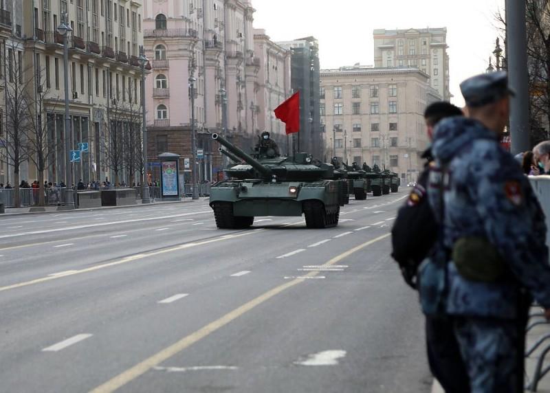 Танки в Москве